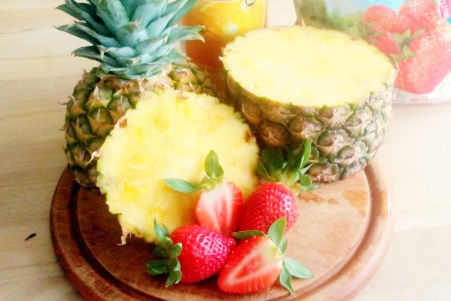 Smoothie: Erdbeer-Ananas-Orange – lachsrosa ins Wochenende